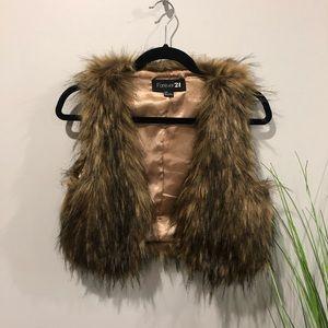 Forever 21 fur sleeveless vest S teddy bear coat